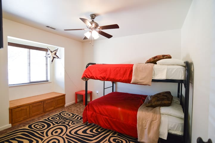 *SPECIAL OFFER* PUSH Farms B&B Rm #4of4