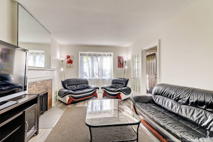 ***Perfect*** Spacious House In Downtown Toronto