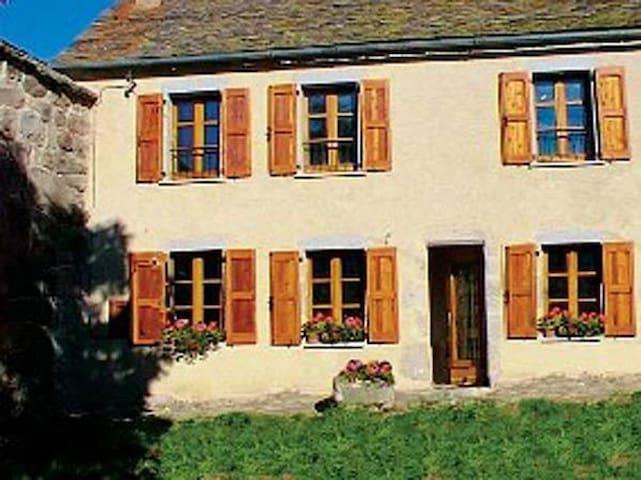 La Brousse-Flan Sud du Mont Lozère - Fraissinet-de-Lozère - Rumah