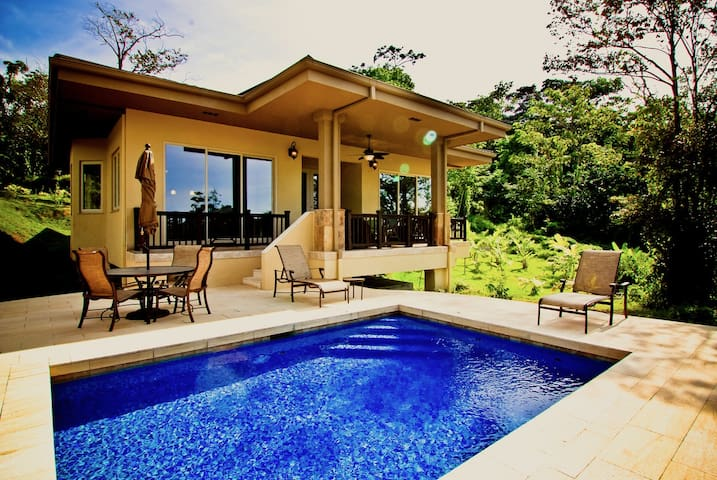 Luxury 1 BR Private Villa W/Pool