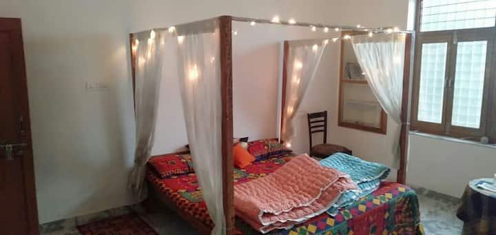 LA Casa Art Stay Double Room