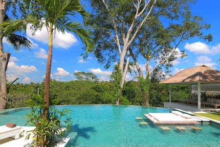 Astonishing Jungle 4 BDR Villa  for Monthly 35 JT/ Weekly 10 JT (BIG PROMO)
