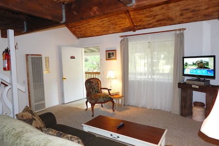 2 bedroom + sofa - Garden Suite - Views/WiFi/BBQ - Ahwahnee - Gästehaus