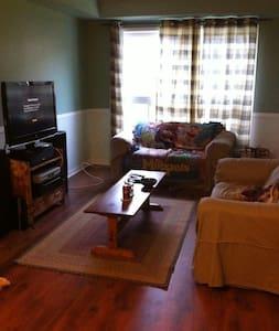 Private room in Oshawa - Oshawa