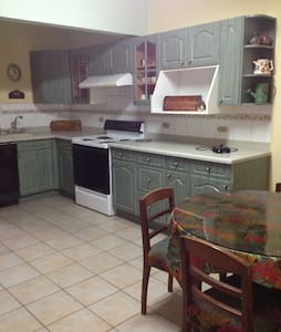 1 level apartment 2 bdr/2 bath