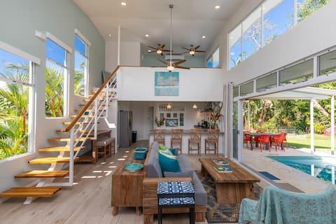 Strandhuset:Privat pool och prisvärd lyx