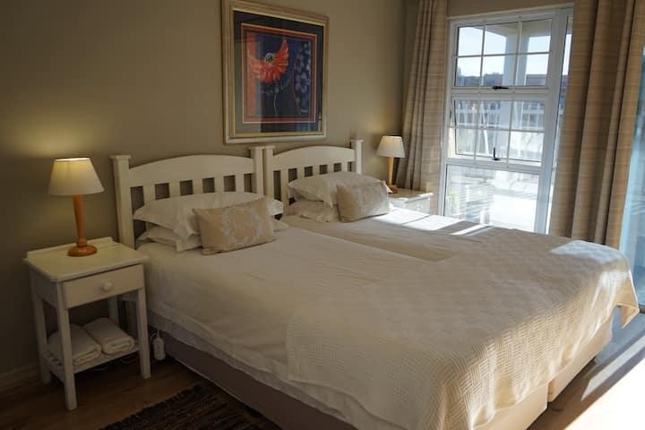 Diaz Beach GH Room 1