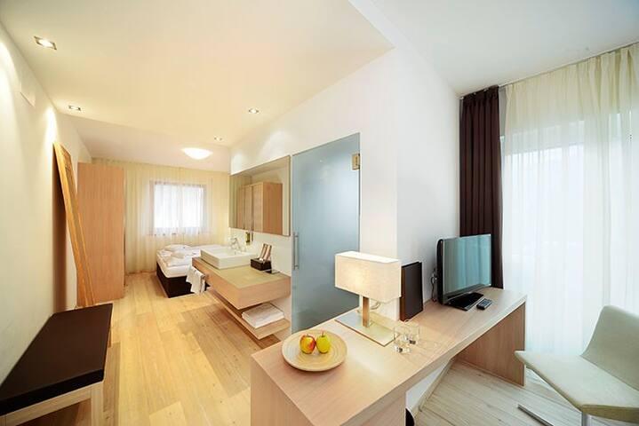 Stylisches Zimmer in Lana - Lana - Bed & Breakfast