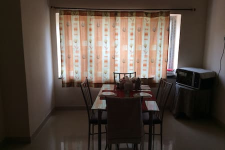 Pvt. room in a 3 BR flat@Gachibowli - Hyderabad - 公寓