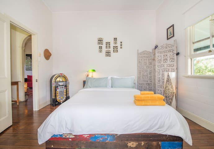 Lovely room in CENTRAL Byron Bay - Byron Bay - Huis