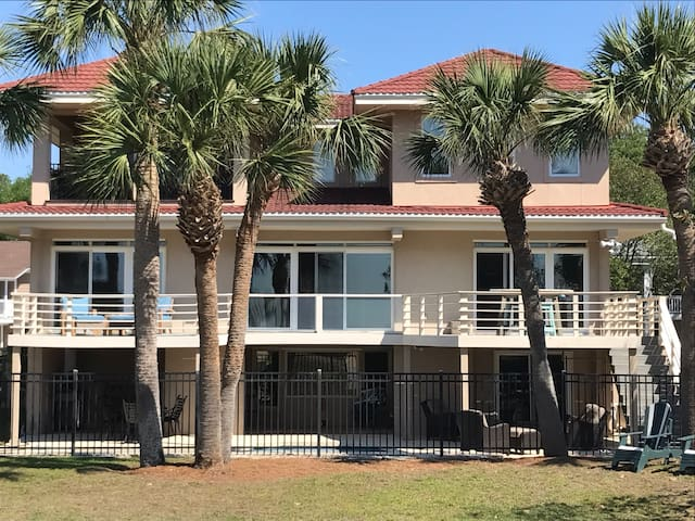 Ocean-facing rear of house. Three levels of ocean-front enjoyment!
