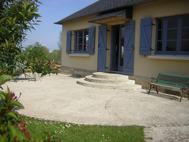 Charmante maison à 5 mns de Caen... - Fleury-sur-Orne - House