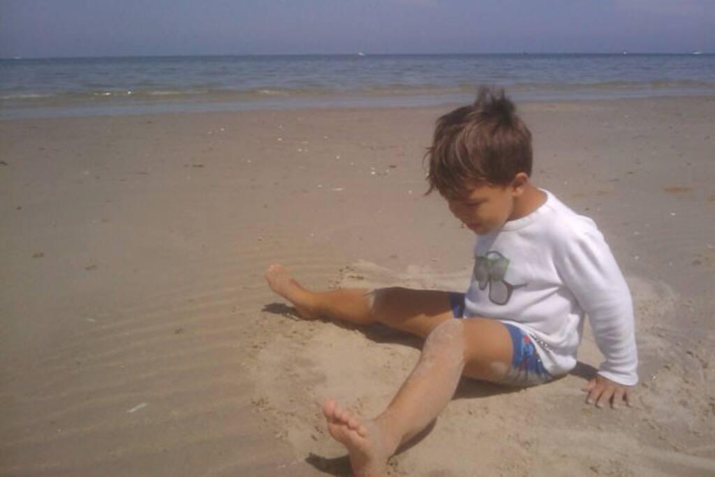 Dejlig sandstrand 100 meter fra huset
