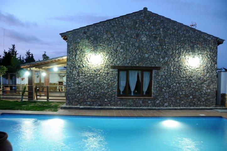 Preciosa Casa de piedra en Conil - Barrio Nuevo