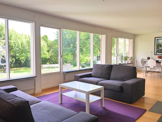 Bekväm villa i södra Uppsala