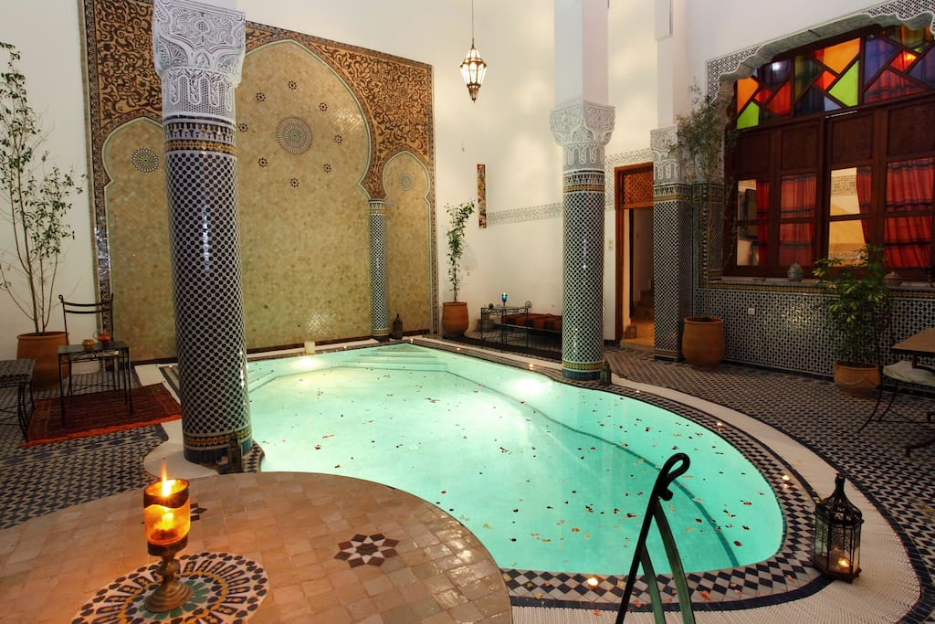Riad jama fez medina bed and breakfasts for rent in for Airbnb fez