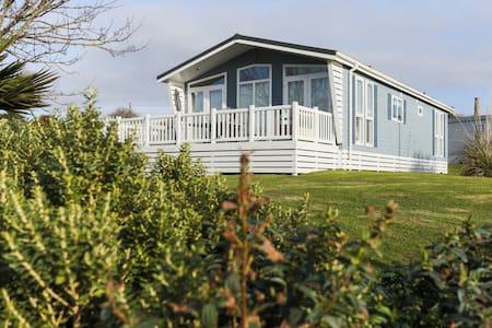 Holiday Lodge with Golf Pool Sea - Cornwall