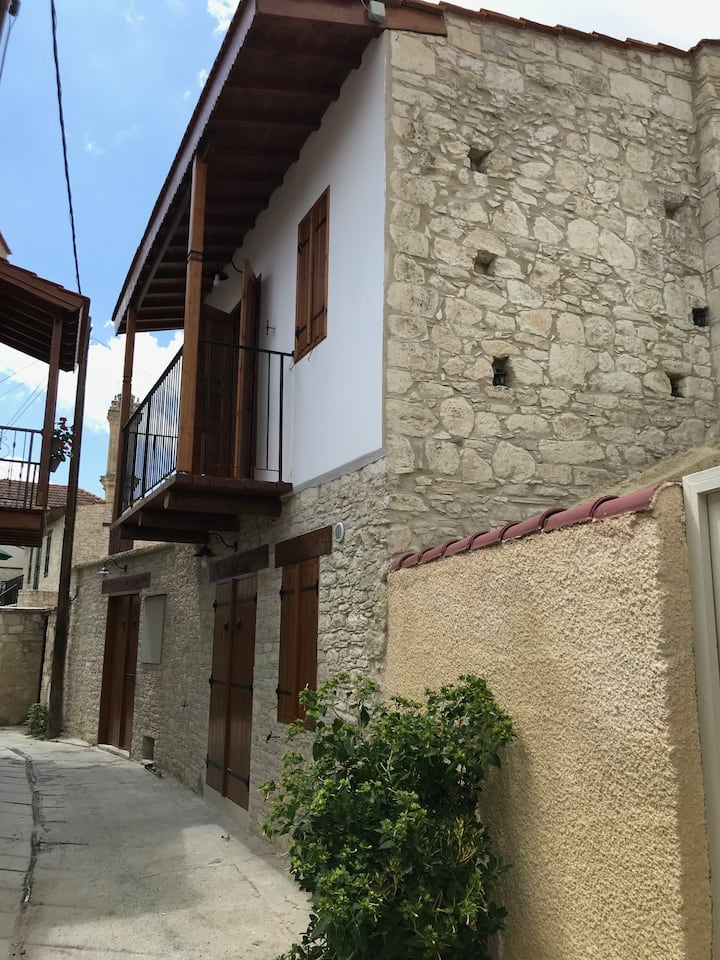 Two Bedroom House 2  -Omodos Katoi Holiday Homes