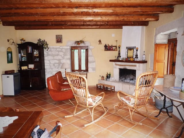 Country house with hills view  - Ragusa - Villa