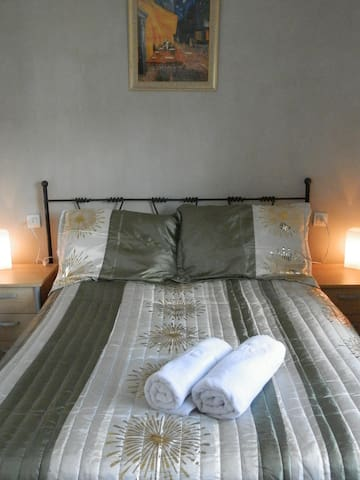 Shambala 100+ farmhouse - room 3 - Serón - Penzion (B&B)