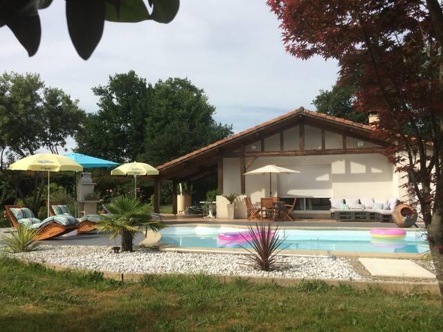 Maison landaise de 100 m² au calme avec piscine