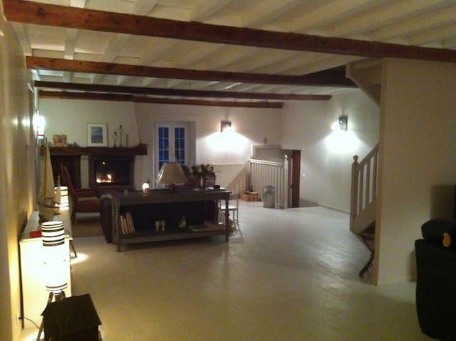 Maison XIXs 900m plages - Saint-Côme-de-Fresné - Talo