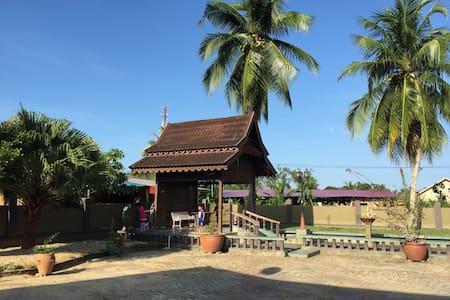 Anjung @ Titi Villa - Kuala Terengganu
