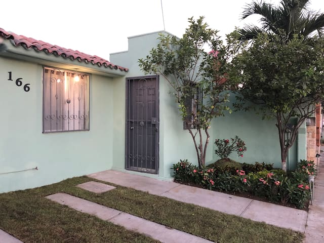 CASA LIMAS pet friendly & excellent location