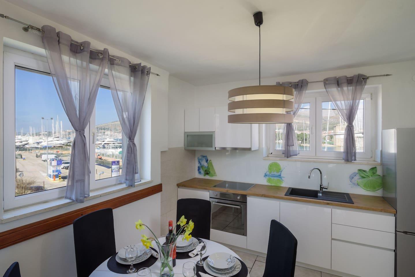 Fresh& modern style kitchen