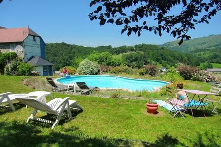 chambre au coeur du  pays basque - Sauguis-Saint-Étienne - Bed & Breakfast