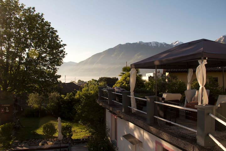 Lovely little Cottage near Locarno - Minusio - Casa