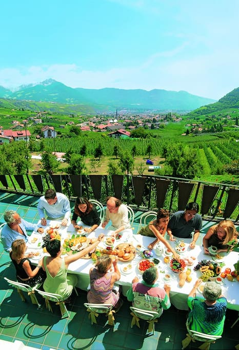 Die Terrasse, frühstücken am Feigenbaum und Aufatmen.
