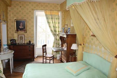 Séjour au Château, chambre verte - Isle