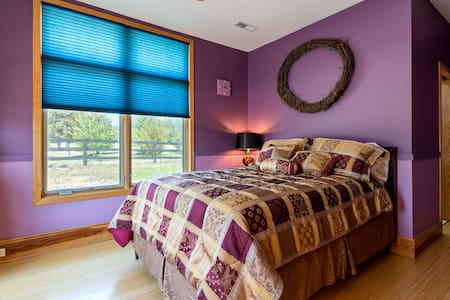 Glass House Winery BnB-Wine Suite - Free Union