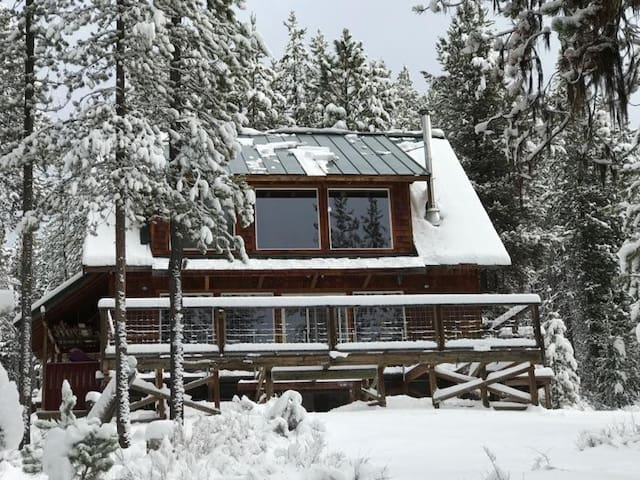 Crescent Creek Cabin - Near Odell and Crater Lake