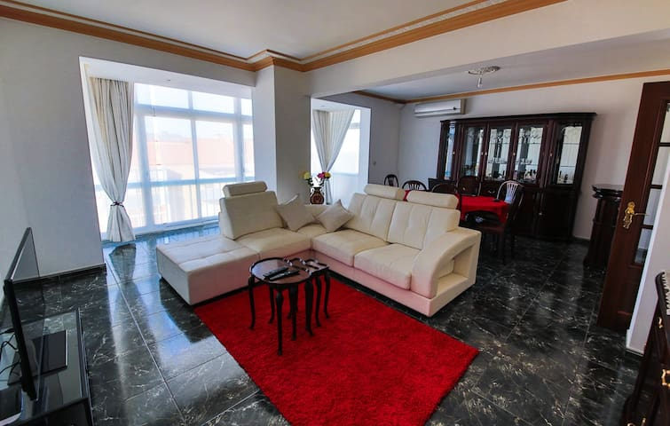 Duplex apartment with huge terrace - Seixal - アパート