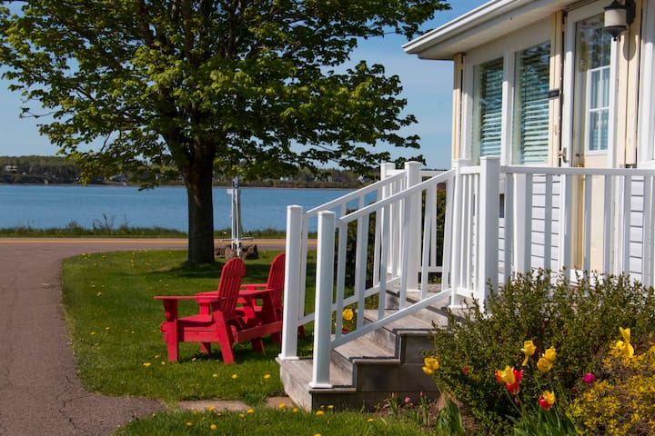 Bayside Cottages - Waterfront Vacation Home