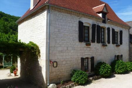 Artésienne : Chambres+Table d'hôtes - le roc