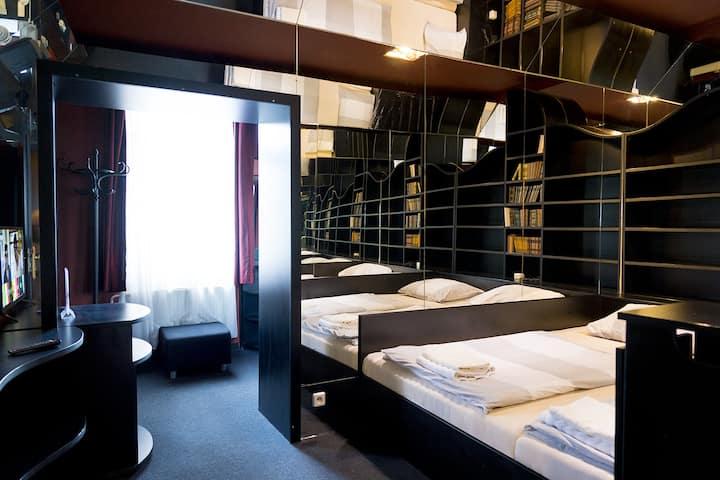 Comfy condominium no. 7. Private bathroom/entrance
