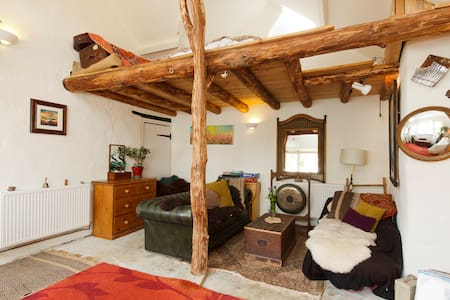 Natural wood barn conversion - Totnes