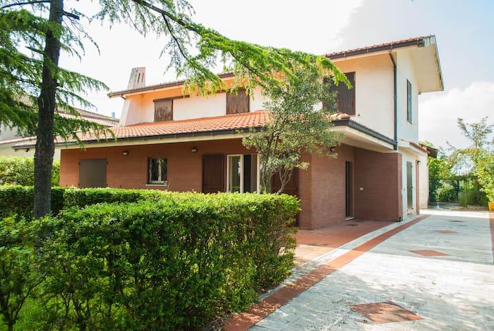 Affittasi Villa in Campagna - Ripa Teatina - Haus