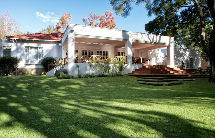 4Living Guesthouse in Waverley