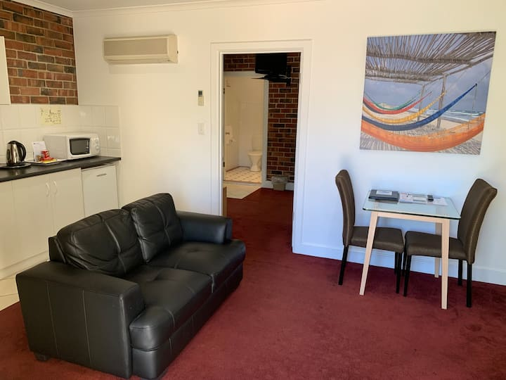 Ground floor Suite only 100 metres to the beach