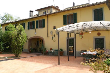 ANCIENT VILLA HEATED POOL & JACUZZI - Montespertoli - Villa