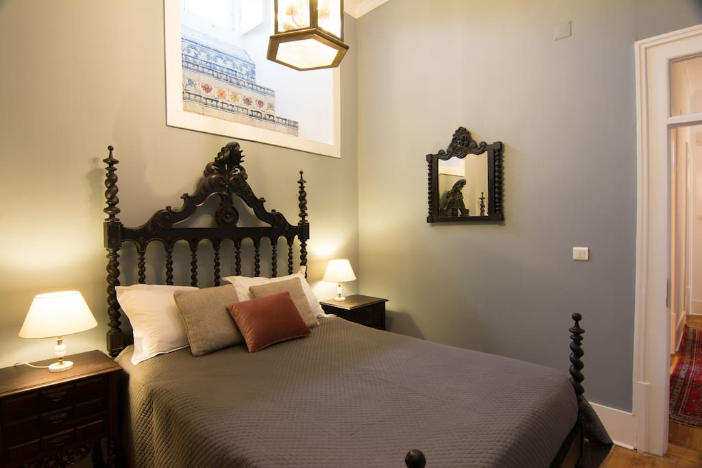Double bedroom 1  with original 18th century tiles
