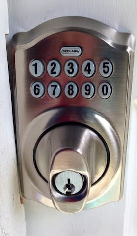keyless entry for easy coming & going!