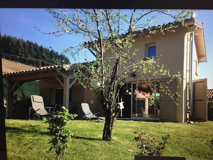 La petite maison dans le beaujolais