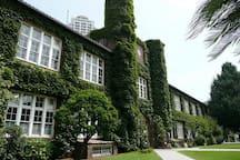 附近的立教大学