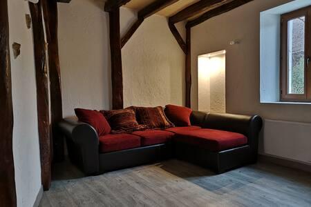 Appartement dans une maison au calme.