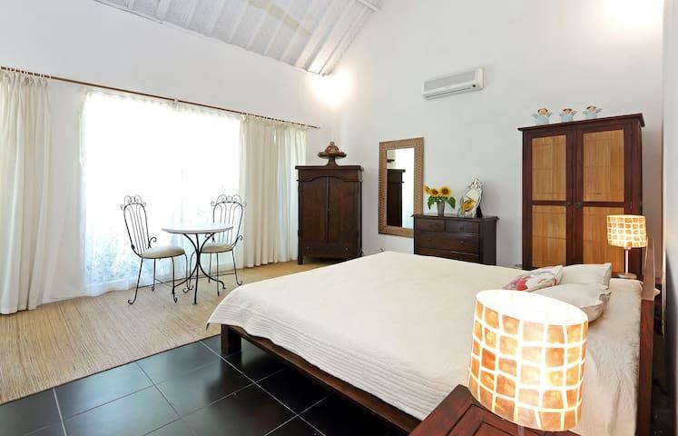Beautiful 2BR Villa, Great location, Seminyak. - Bali - Villa
